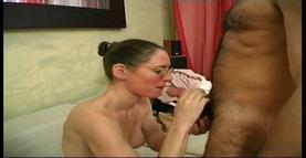 une prof baise avec un amateur