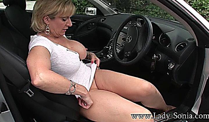 Hot blonde xxx car porn — 2