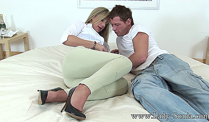 Young Stud Cums Inside Milf