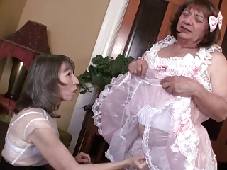 Mature sissy crossdresser