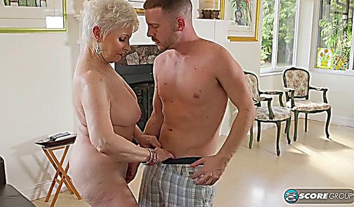 Russian mom amalia
