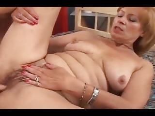 Mature pussy cummed on