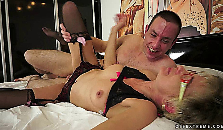 Horny granny jessye in hot fuck action with stud oliver - 1 6