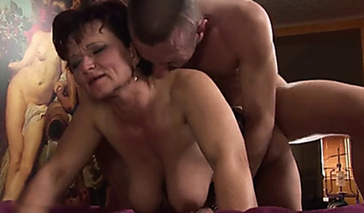 Amateur Messy Anal Creampie