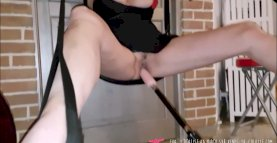 French busty MILF with Fucking Machine on Vends-ta-culotte