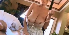 My MUM Wake UP Me With HUGE TITS