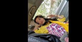Desi Pakistan teen beauty farri blow job to bf in car